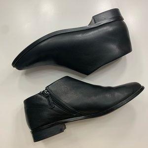 Kelsi Dagger Pointed Black Ankle Moto Boots